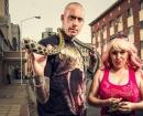 Caçador de serpentes e sua noiva capturaram cobras na cidade no NatGeo Wild